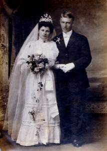 Johan Fritiof and Hulda Sophia's wedding photograph